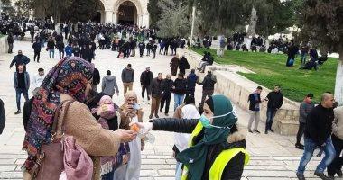 تعقيم-المصلين-أمام-ساحات-المسجد-الأقصى-للوقاية-من-فيروس-كورونا