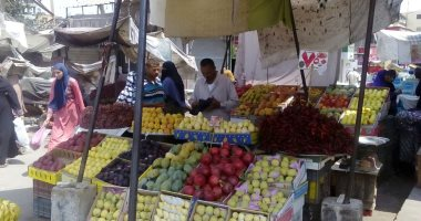 أسعار-الفاكهة-اليوم-بسوق-العبور-للجملة-البرتقال-2.5-جنيها-والفروالة-3-جنيهات