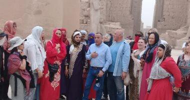 أمين-الأعلى-للآثار-يتفقد-المعابد-الفرعونية-ويلتقى-بالأفواج-السياحية-بالأقصر