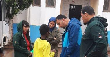 """صور.-""""تضامن-الإسكندرية"""":-نقل-4-أطفال-و3-مشردين-لدور-الرعاية-بسبب-موجه-الطقس-السيئ"""
