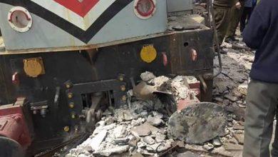 صورة قطار يخرج عن مساره وإصطدام الجرار بالرصيف بالدقهلية