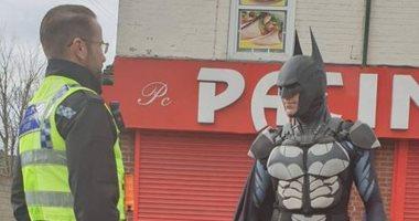 باتمان-يتجول-بشوارع-بريطانيا-لرفع-معنويات-الأطفال-والمواطنين-لمواجهة-كورونا