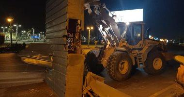 حملات-لإزالة-الإعلانات-المخالفة-وسط-الإسكندرية-بالتزامن-مع-الحظر.-صور