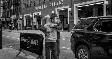 من-هونج-كونج-إلى-نيويورك.-4-تجارب-توثق-الروابط-البشرية-بالصور-فى-زمن-كورونا
