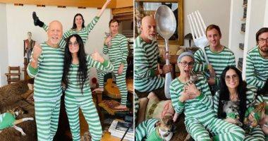 رغم-الانفصال.-عائلة-بروس-ويليس-وديمى-مور-فى-ملابس-متطابقة-خلال-العزل