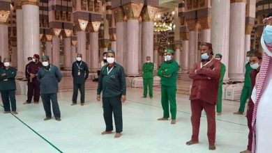 صورة السعودية: الصحة تقوم بالكشف علي العاملين بالمسجد النبوي