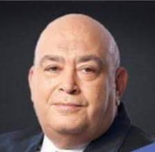 صورة عماد أديب لرجال الأعمال: أيهما أهم البنك أم الوطن؟