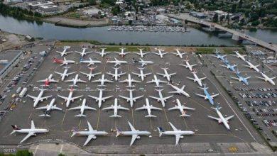 صورة الطائرات لا يوجد لها أماكن بعد أن هجرها الركاب بسبب كورونا