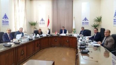 صورة لجنة قيادات جامعة بنها تستقبل المتقدمين للوظائف القيادية