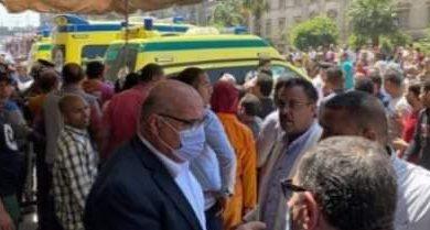 صورة نائب محافظ القاهرة يتابع أعمال رفع الانقاض بالعقار المُنهار بوسط البلد