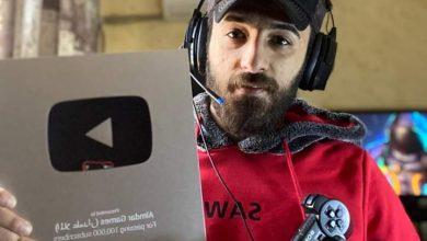 صورة علي سليمان علمدار يحصل على درع مليون مشترك من اليوتيوب