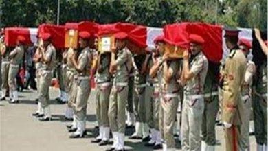 صورة عفيفي : اكفان شهداء القوات المسلحه تاج علي رأس المصريين