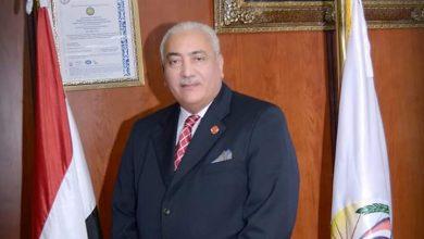 صورة رئيس جامعة السادات يهنئ الرئيس عبد الفتاح السيسي والأمة الإسلامية بعيد الفطر المبارك.