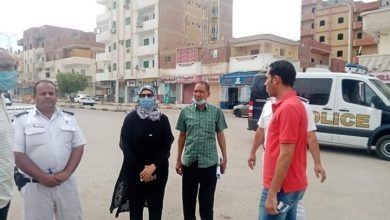 صورة رئيس مدينة سفاجا يتفقد الأسواق لمنع أي تجمعات