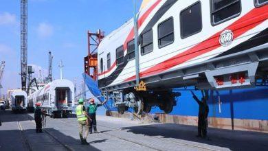 صورة وصول الدفعة الاولي لعربات القطارة لميناء الاسكندرية وتقدر الصفقة ب1300 عربة