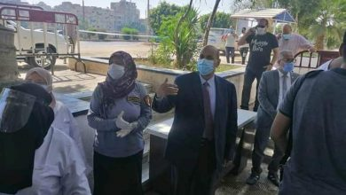 """صورة جولة مفاجئة لـ""""رئيس جامعة المنيا"""" لتفقد الإجراءات الاحترازية علي بوابات """"الهندسة"""""""