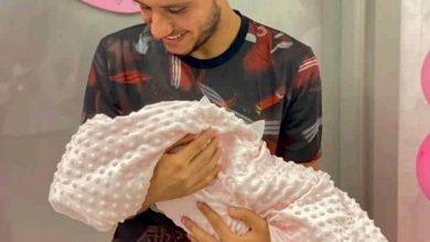 """صورة مصطفى فتحي لاعب الزمالك يرزق بطفلته الأولي """"هيا"""""""