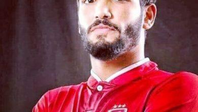 """صورة """"حسن شاكوش"""" يتهادي قميص """"صالح جمعة"""""""