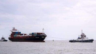 صورة إنقاذ سفينة حاويات بدمياط