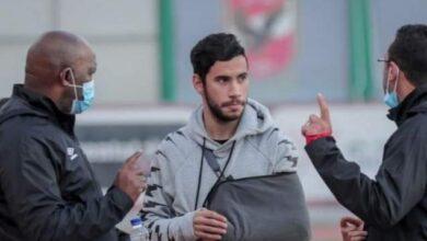 صورة غضب لاعب الأهلى ووعد بيتسو موسيمانى له