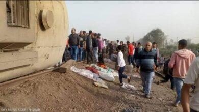 صورة ضحايا وجثث بين أنقاض محطة سكة حديد طوخ