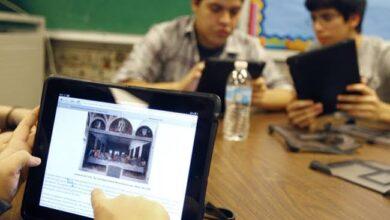 """صورة بعد استبدال الإختبارات الإلكترونية بـ""""بابل شيت"""":طلاب""""الثانوية العامة"""" تعرض أجهزة التابلت للبيع بـ""""فيس بوك"""" لعدم الحاجة"""