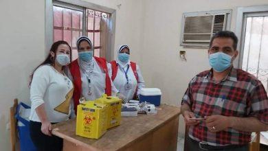 """صورة صحة الفيوم"""" تطعم 150 مواطنًا بلقاح """"كورونا"""" بمركز سنورس"""