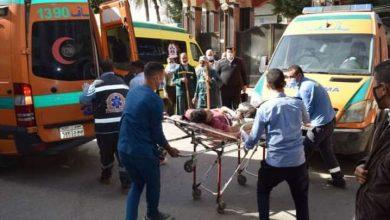 صورة إصابة شخصين فى حادث تصادم بطريق «أسيوط-البحر الأحمر»