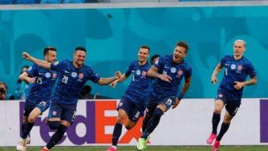 صورة سلوفاكيا تحقق فوزا مثيرا على بولندا 2/1 في يورو 2020