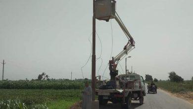صورة حفاظًا على سلامة المواطنين من الحوادث والأخطار.. إحلال وتجديد بإحدى قرى المنيا