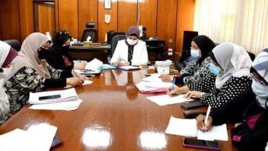 صورة السكرتير العام المساعد تترأس اجتماع مجلس أمناء نادى الفتيات بقنا
