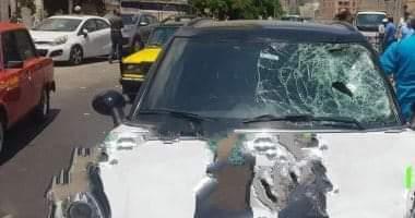 صورة مصرع عامل نظافة صدمته سيارة مسرعة في الإسكندرية