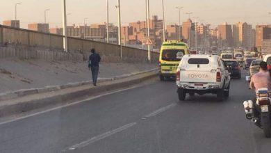 صورة إصابة شخصين في حادث تصادم سيارتين أعلى الطريق الدائري بالمريوطية