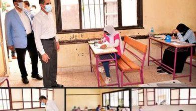 صورة محافظ الغربية يتفقد أداء الطلاب لامتحان الجبر بمدارس طنطا