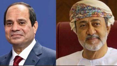 صورة السيسي يتلقى اتصالاً هاتفياً من سلطان عمان
