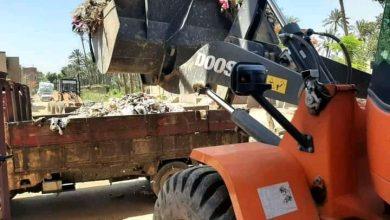 صورة تكثيف أعمال النظافة ورفع القمامة بحي غرب سوهاج