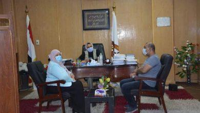 """صورة نائب محافظ الوادي الجديد تتابع موقف مشروعات """"حياة كريمة"""" بقري المحافظة"""