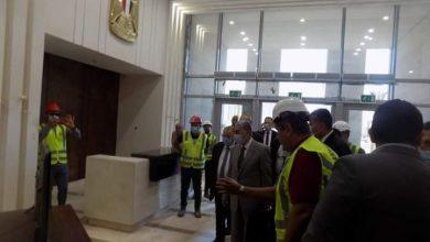 صورة وزير الكهرباء يباشر أول يوم عمل من مقر الوزارة بالعاصمة الإدارية الجديدة