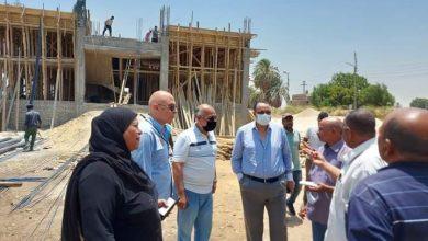 صورة سكرتير محافظة الأقصر يتفقد الأعمال بقرية النجوع