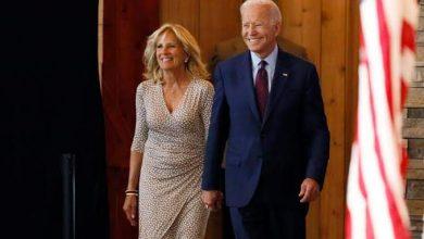 """صورة زوجة الرئيس الأمريكي """"جو بايدن"""" تغادر المستشفى بعد عملية في القدم"""