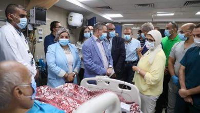 صورة وزيرة الصحة تزور مستشفى العلمين النموذجى وتتابع عمل سيارت الإسعاف والأكشاك الطبية على الطريق