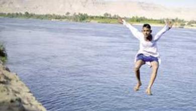 صورة بسبب تزايد حالات الغرق.. محافظ أسوان يطالب المواطنين بعدم السباحة في مياه النيل