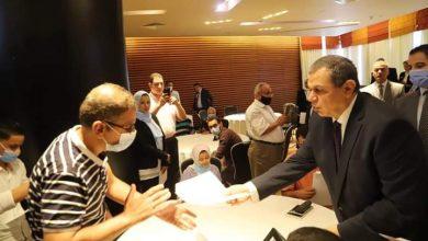 صورة وزير القوى العاملة يسلم 114 عقد عمل لذوي الهمم بالإسكندرية