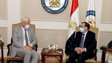 صورة وزير البترول يبحث مع سفير هولندا تنمية التعاون مع الشركات الهولندية