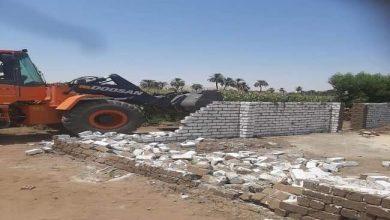 صورة رصد مخالفة تعد على أرض زراعية بمدينة القرنة في الأقصر