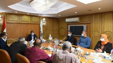 صورة نائب محافظ قنا يعقد اجتماعا لمناقشة آليات تفعيل قانون 152 الخاص بالمشروعات الصغيرة والمتوسطة