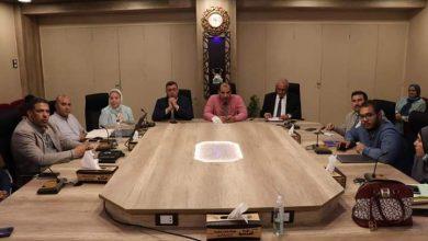 صورة رئيس جامعة الأزهر يتابع الاستعدادات للمشاركة في مسابقة جامعة خضراء