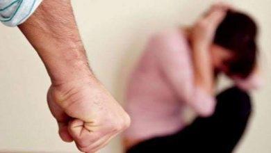 صورة أب يعتدى على أبنته بالضرب المبرح حتى الموت