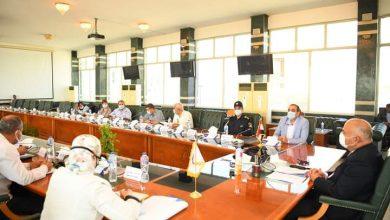 صورة محافظ قنا يعقد اجتماعا لمتابعة تنفيذ قرار توفيق أوضاع الكنائس
