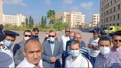 صورة محافظ كفر الشيخ ونائبه يتفقدان اثار حريق بمدرج بكلية الثروة السمكية